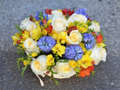 Centro de flores de primavera