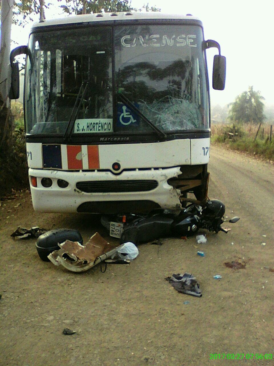 Acidente Entre Ônibus e Moto