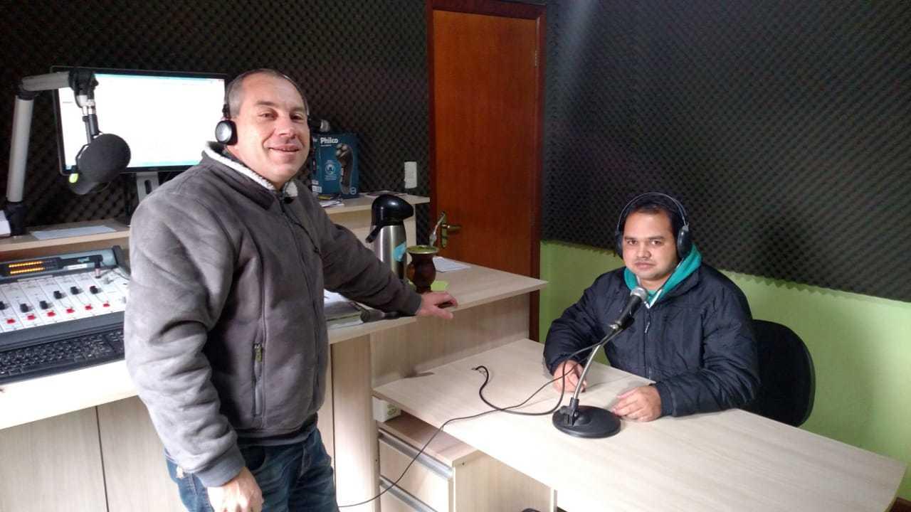 Coordenador de Esportes visita Rádio Hortêncio FM