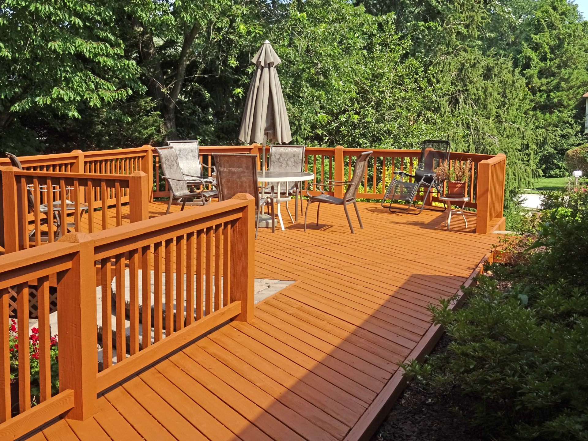 Exterior Deck Staining