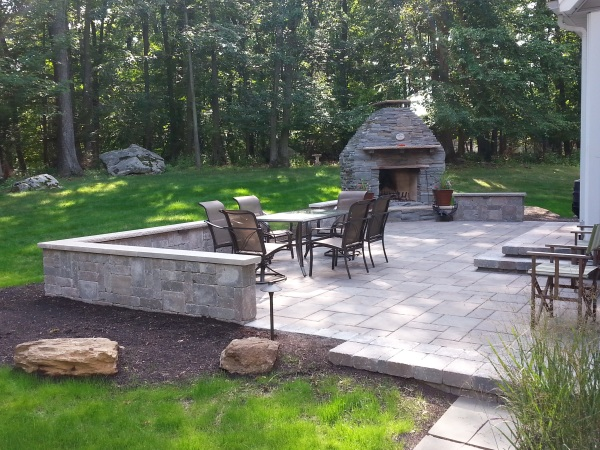 Bluestone Fireplace & Patio