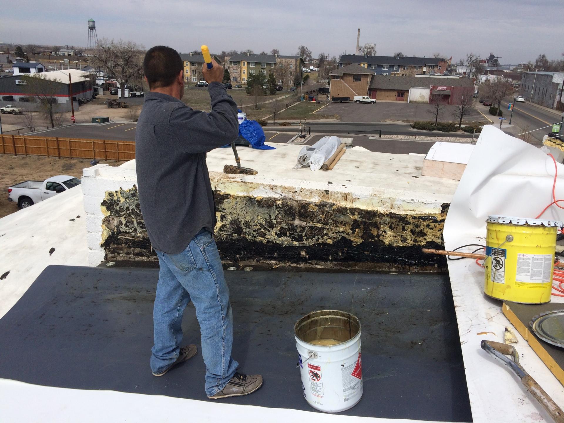 Installing 95 squares of GAF low slope TPO 60 Mil roofing system