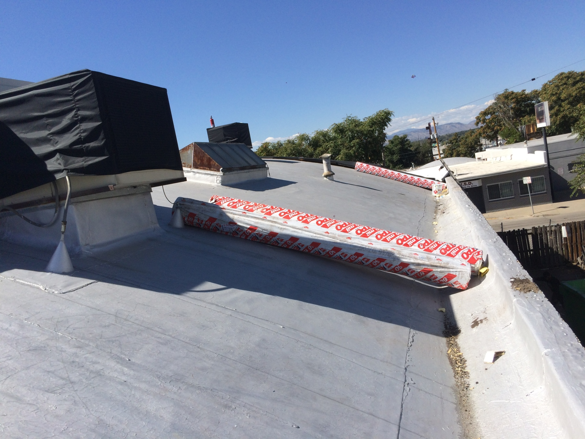 Installing 100 squares of GAF 60 Mil TPO