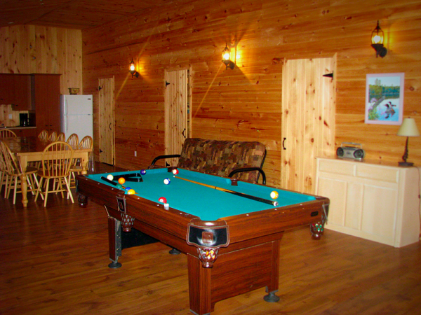 Chalet avec table de billard