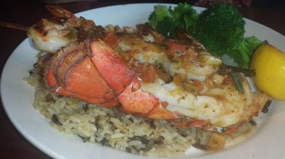 Dine Out Seniors To Meet At Red Lobster In Salinas For Lunch On Friday At 11:30 AM