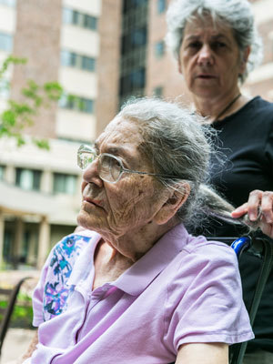 Dementia Patients With Stressed Caregivers Tend To Die More Quickly