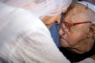 Centenarian Finds Love At 100