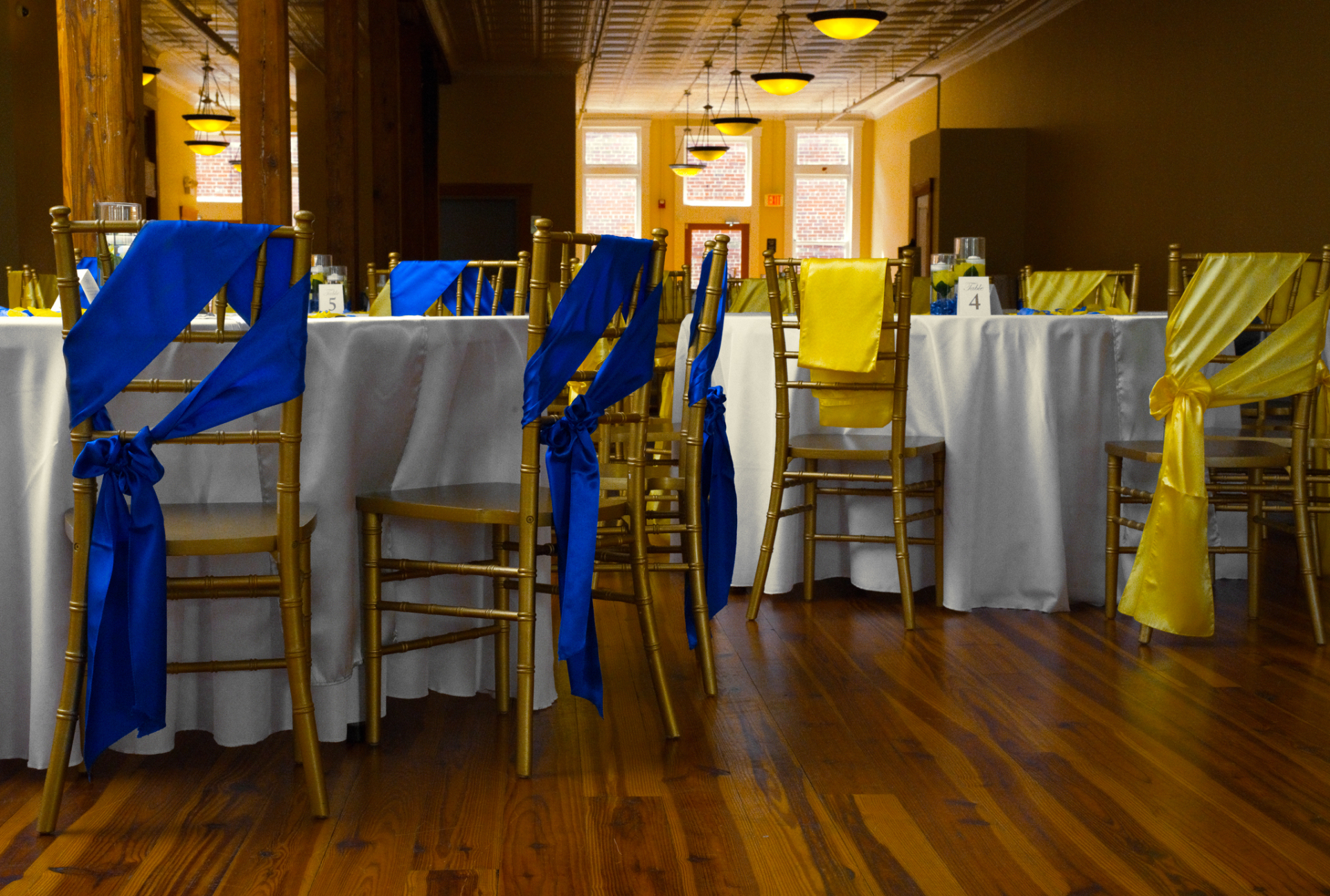 Polyester White Tablecloth for Guest Tables