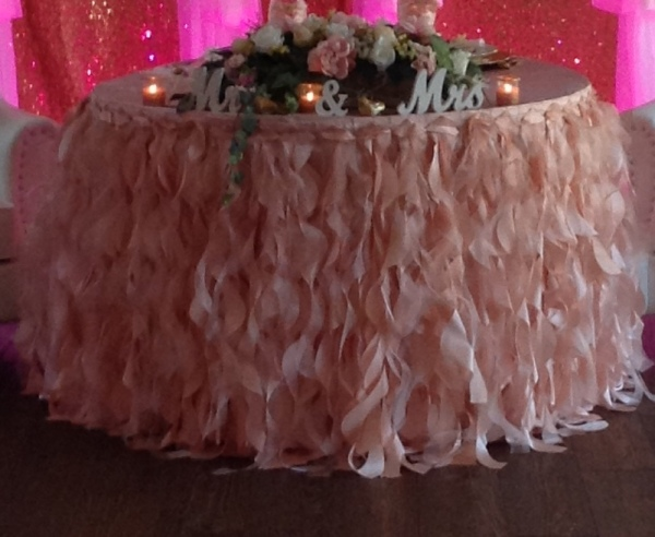 Curly Willow Table Skirt