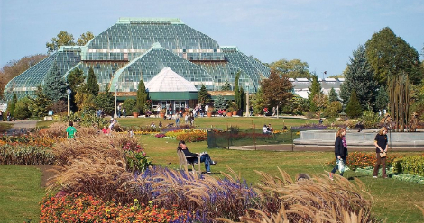 Exterior of the Lincoln Park Conservatory in Chicago