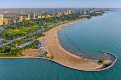 Chicago's lakefront 18 miles of pure beauty!