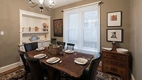 Chicago Guest House Vacation Rental in Chicago on Newport Ave Clark Suite