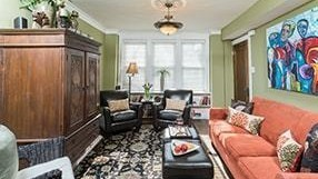 Chicago Guest House Vacation Rental In Chicago on Henderson St