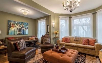 Living room of Clark Suite on Newport Ave