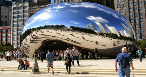 Cloud Gate Sculpture in Millennium Park Chicago