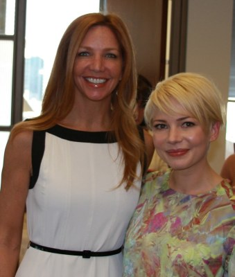 Michelle Williams, Victoria Schweizer