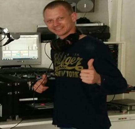 DJ Ronscore