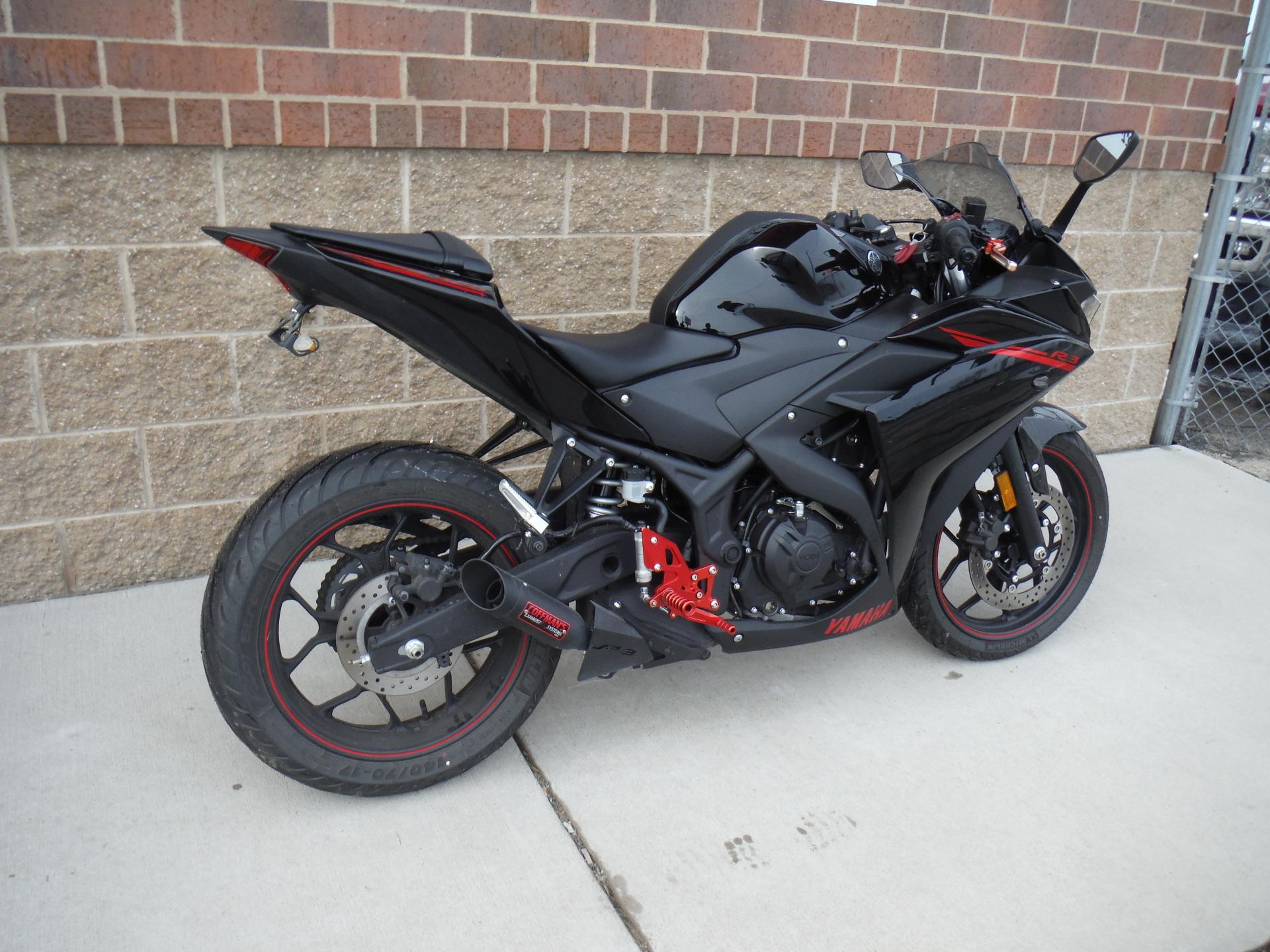 2015 Yamaha R3 Raven Edition