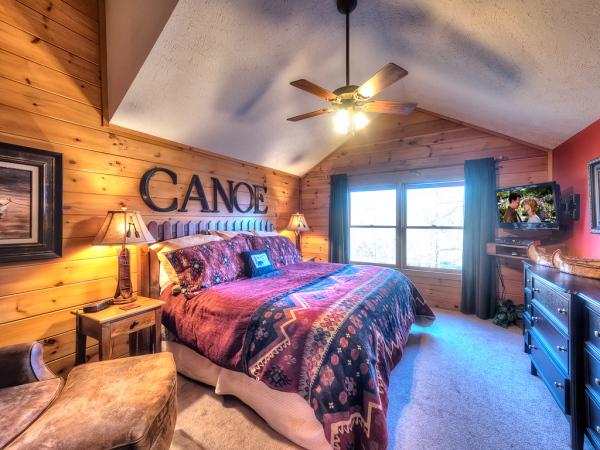 Black Bear Falls Cabin - Canoe Bedroom
