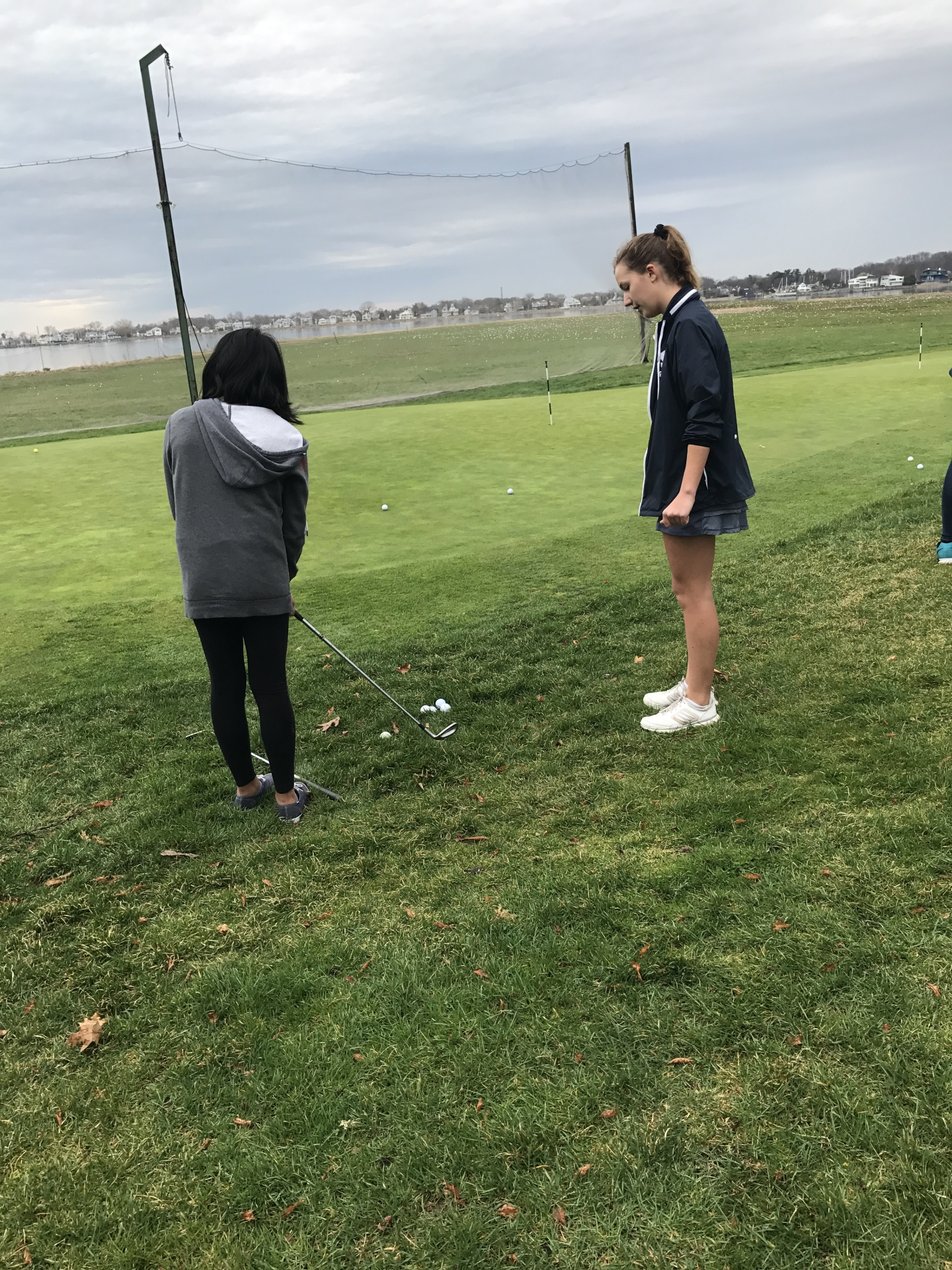 Sophie Carozza teaching chipping