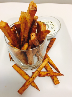 Truffled Cassava Fries with Roast onion/Garlic Dip