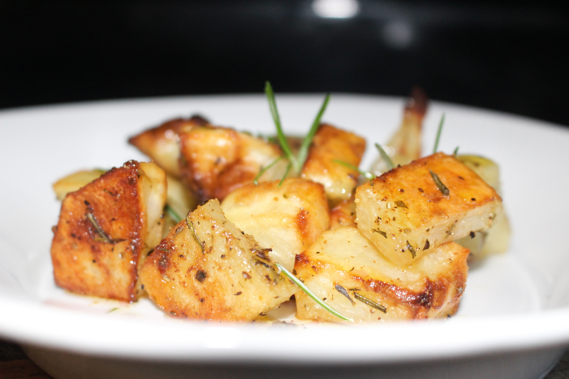 Meatless Monday Roasted Rosemary Potatoes