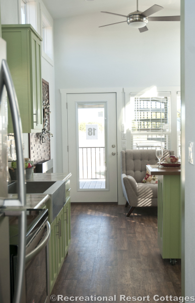 RRC-Elite Cottages-EC104 hallway