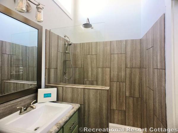 RRC-Elite Cottages-EC104 shower