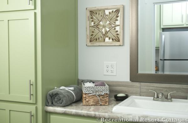 RRC-Elite Cottages-EC104 vanity
