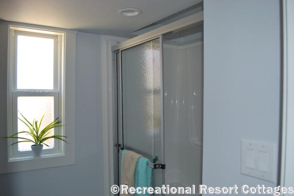 RRC- Platinum Cottages- EaglesLanding Shower