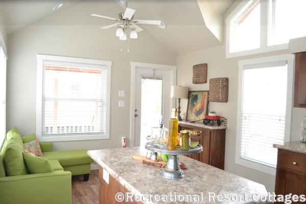 RRC-Platinum Cottages 563SLFP Lakeview Living Room