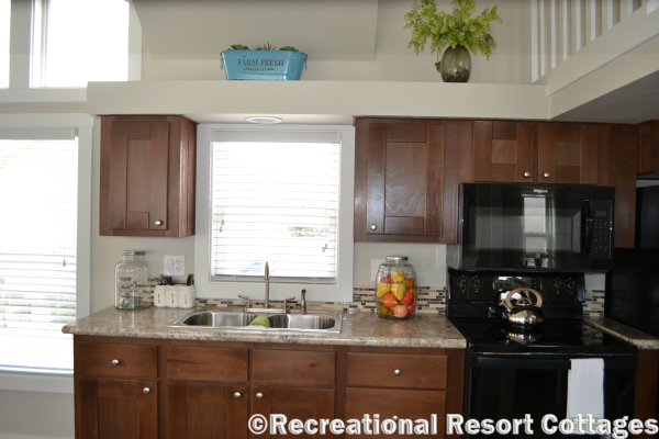 RRC-Platinum Cottages 563SLFP Lakeview Kitchen