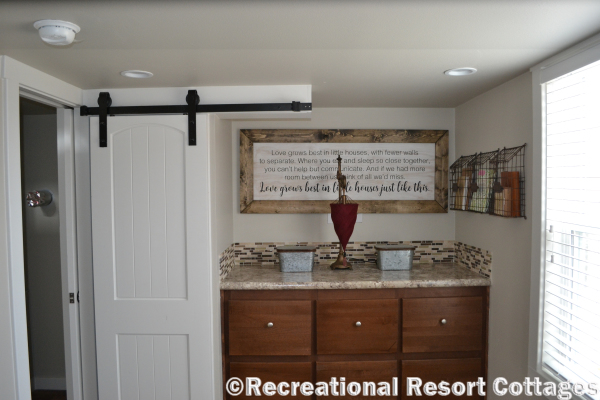 RRC-Platinum Cottages 563SLFP Lakeview Bedroom