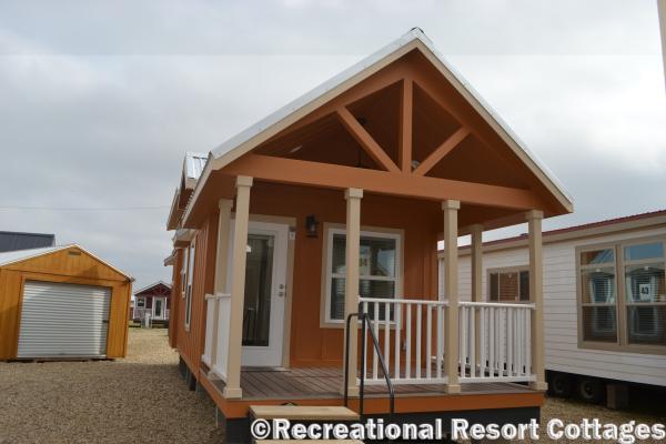 RRC-Platinum Cottages 563SLFP Lakeview exterior