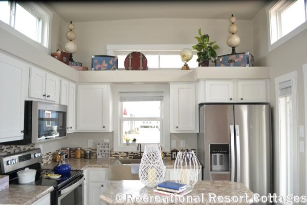 RRC-Platinum Cottages 528FPSP Meadowview Kitchen