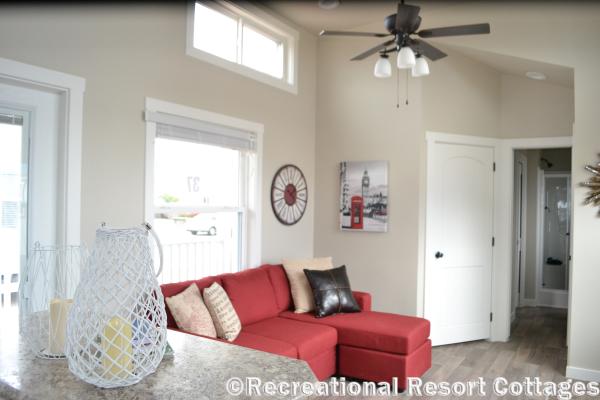 RRC-Platinum Cottages 528FPSP Meadowview Living Room