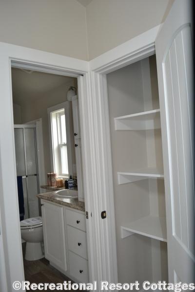 RRC-Platinum Cottages 528FPSP Meadowview storage space