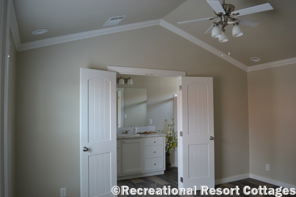RRC- Platinum Cottages- The Lampasas 646 master bedroom