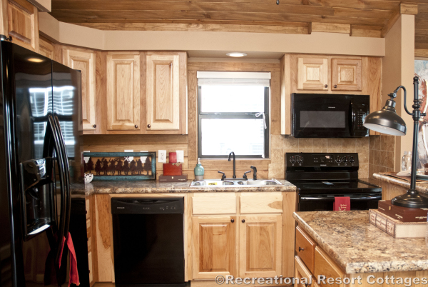 RRC- Platinum Cottages- SanSaba645FP kitchen