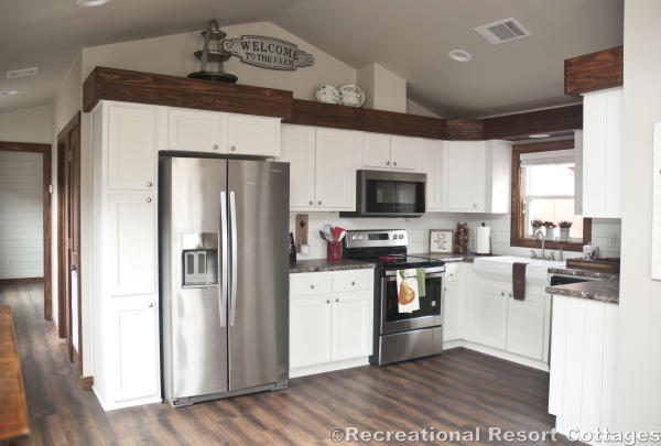 RRC- Platinum Cottages- Del Rio 963FD  Kitchen