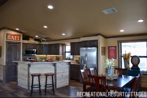 RRC-Platinum Cottages- 860Prow Dining Room