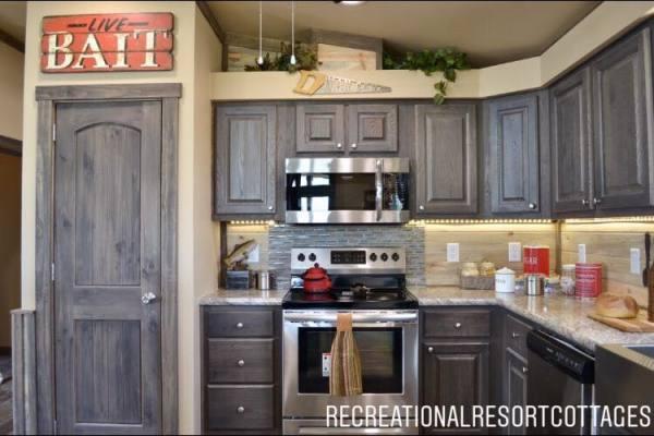 RRC-Platinum Cottages- 860Prow Kitchen