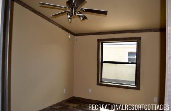 RRC-Platinum Cottages- 860Prow guest bedroom