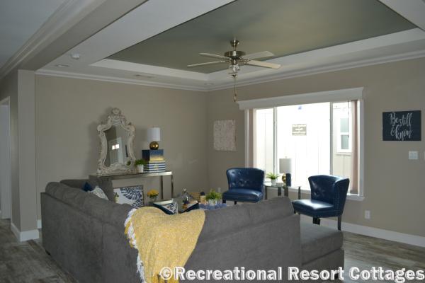 RRC-Skyline- Skyliner4712B living Room