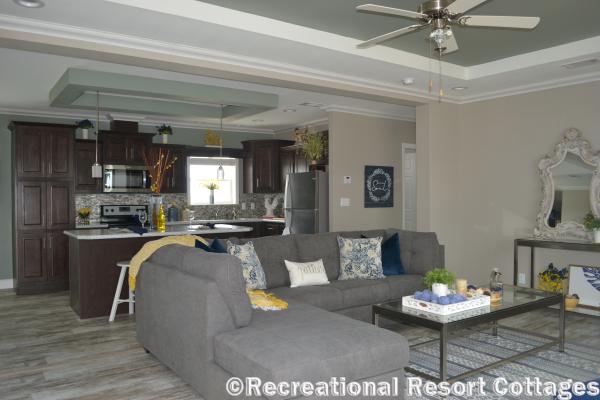 RRC-Skyline- Skyliner4712B living room and kitchen