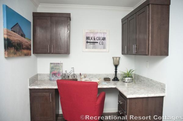RRC- Athens Park Homes- Classic3256I desk area