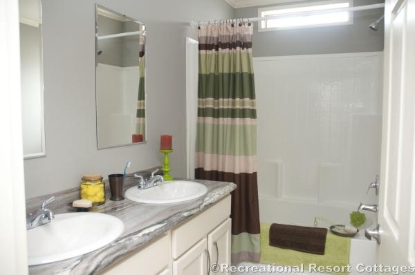 RRC- Sunshine- HYB3264-217 guest bathroom