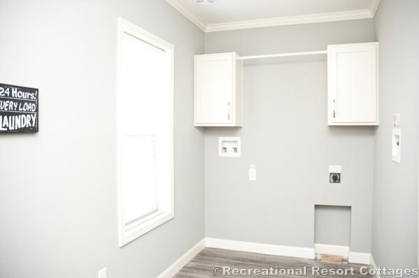 RRC- Sunshine- HYB3264-217 laundry room