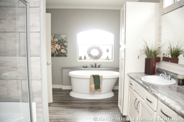 RRC- Sunshine- HYB3264-217 master bathroom