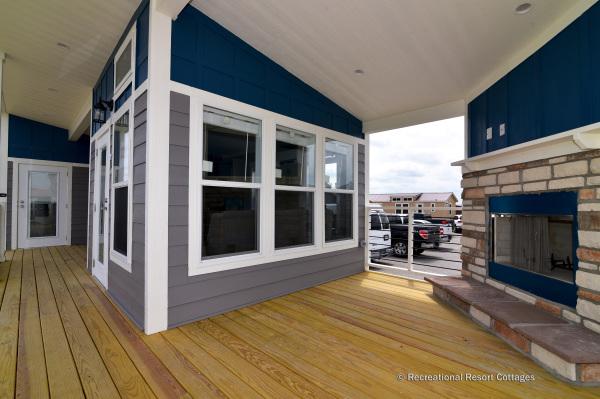 RRC-AthensParkHomes-520MS porch